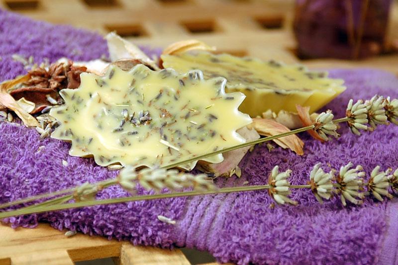 Vyrobte si přírodní domácí pečující balzám