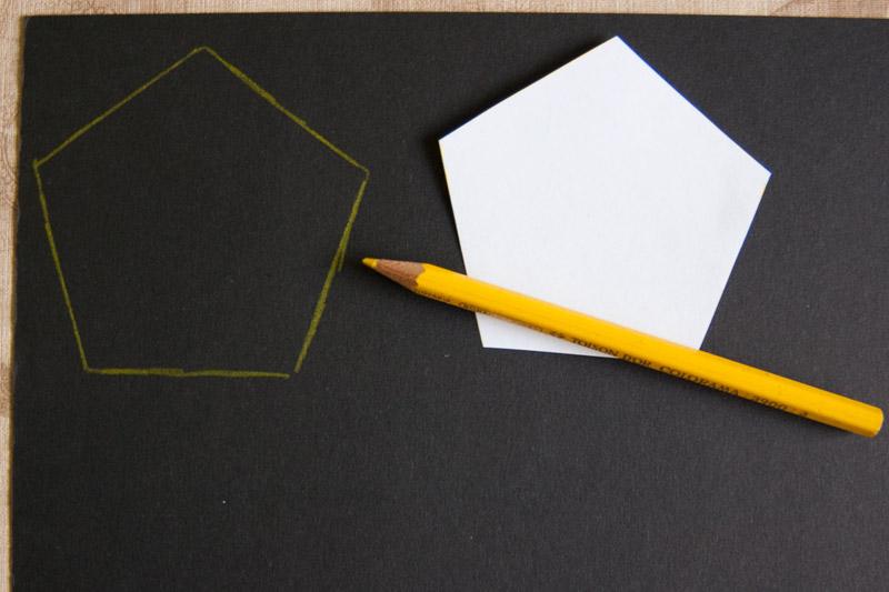 tvary překreslíme na černý i na hnědý papír