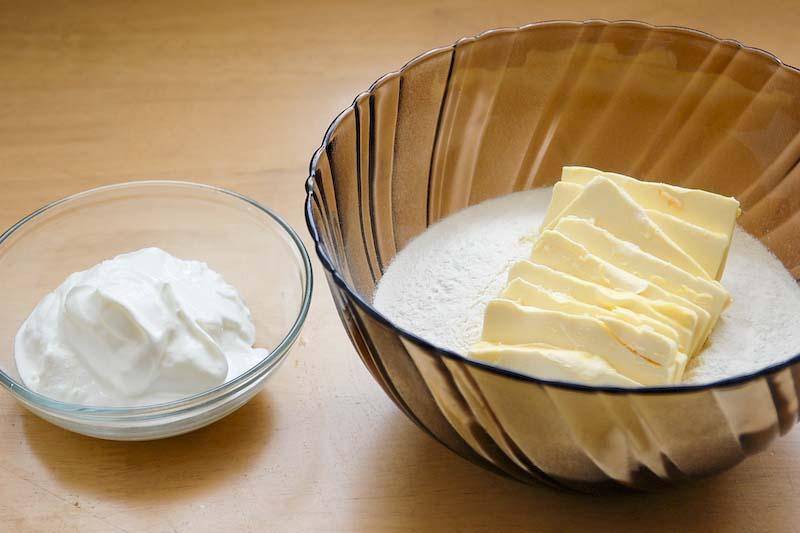 suroviny na jogurtové těsto