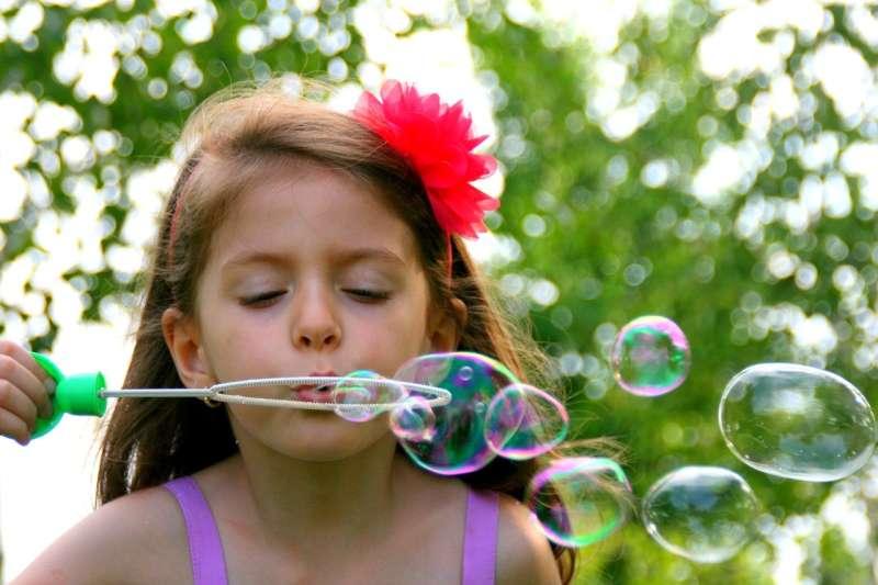 Foukám, foukáš, foukáme – dechová cvičení pro děti